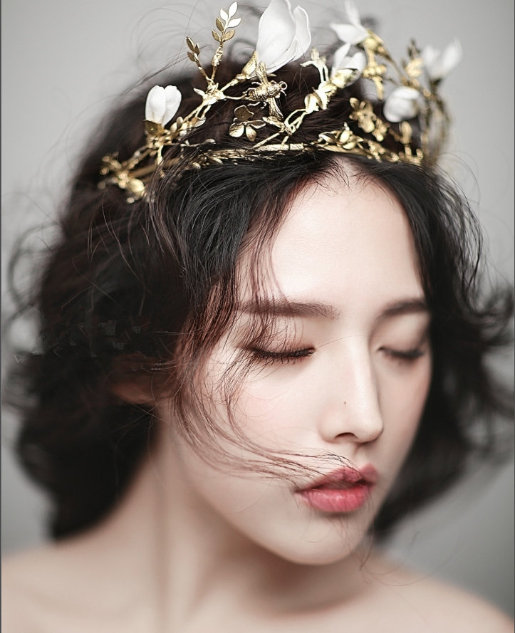 ФОТО Free Shipping Gold Leafs Bridal Hair Accessories Luxurious Crystals Pearls Crowns Tiaras With White Silk Flowers   31905