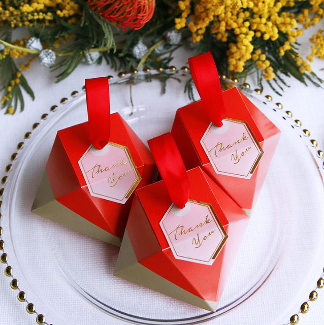 100pcs Creative Red Diamond Wedding Favors Candy Boxes Party Gift