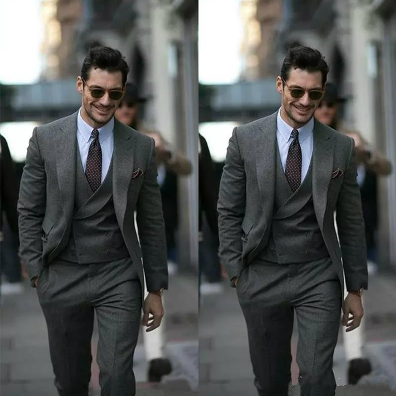 grey-custom-made-men-suit-groom-tuxedos-groomsmen-formal-suits-business-men-wear(jacket+pants+vest)-three-pieces-wedding-best-man-wear_