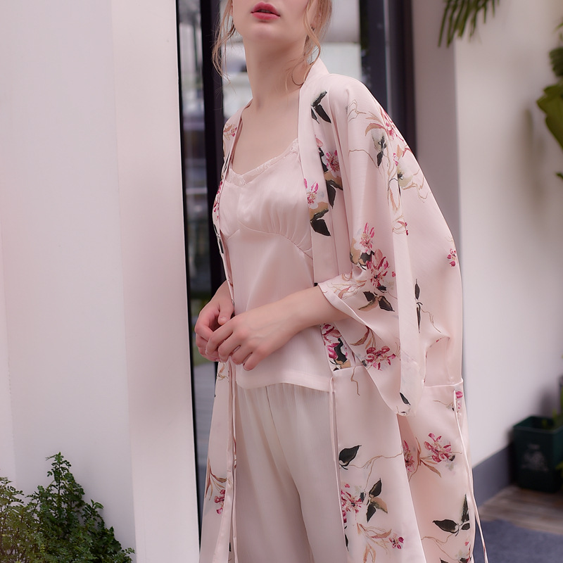 2018 New Women Pajama Set Spring&summer Ice Silk Sexy Lingerie Satin Pajamas Floral Printing Sweet Pink Womens Clothes Sleepwear