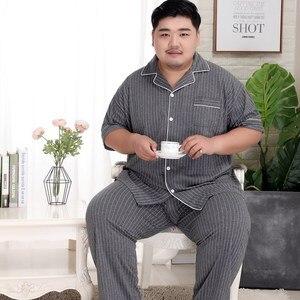 Image 2 - Plus Kích Thước 5XL Sang Trọng Striated 100% Cotton Pyjama Bộ Nam Đơn Giản Áo Tay Ngắn Quần Ngủ Khoác Nam Pyjamas