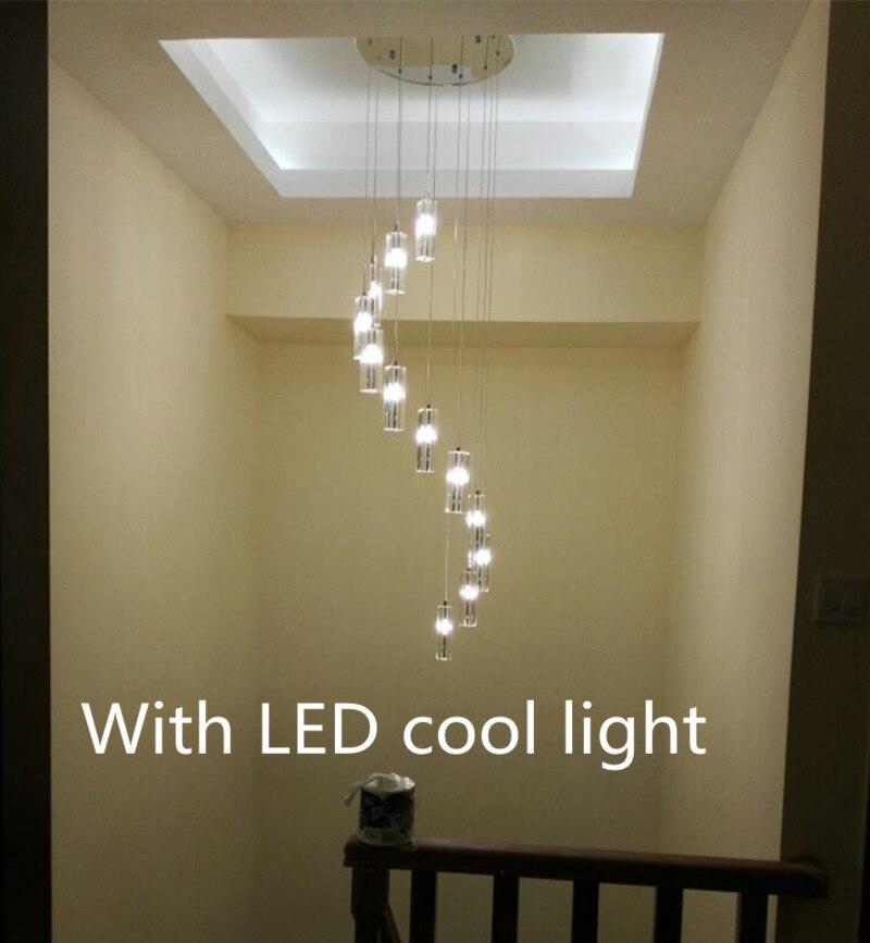 Lustre escalier decorer porte interieur porte interieur for Luminaire entree maison