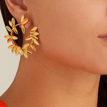 Tocona Gold Silver Dot Leaf Stud Earring for Women Round Leaves Studs Earrings Statement Jewelry Brincos  5851 gold round leaf earrings