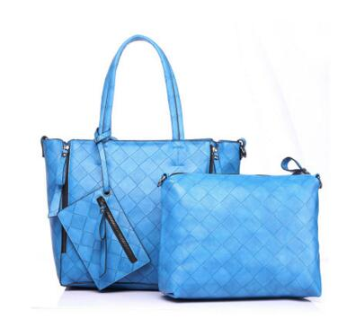 2017 new trend of hand-held handbags shoulder Messenger Messenger multi-functional Ling lattice mother bag soft feeling three-pi multi functional stripes three lattice storage hang bags