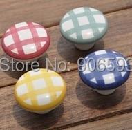 ФОТО 12pcs lot free shipping colourful pattern ceramic cabinet knob