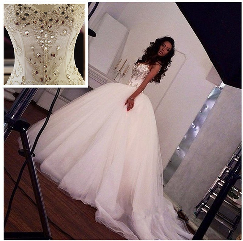 Luxurious Vestido De Noiva Muslim Wedding Dresses Ball Gown Sweetheart Tulle Crystals Dubai Arabic Wedding Gown Bridal