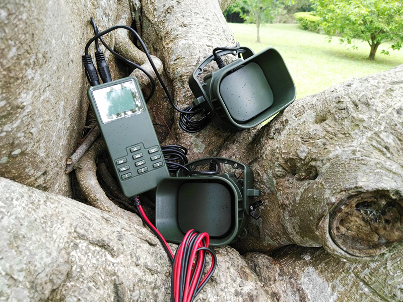 PDDHKK Hunting Bird Caller With Two 50W 150dB Loud Speakers and Timer ON/OFF LCD player with 3 Hot Keys Predator Sound Caller