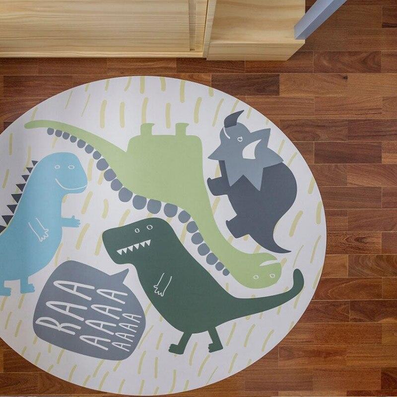 dinossauros bebê recém-nascido rastejando