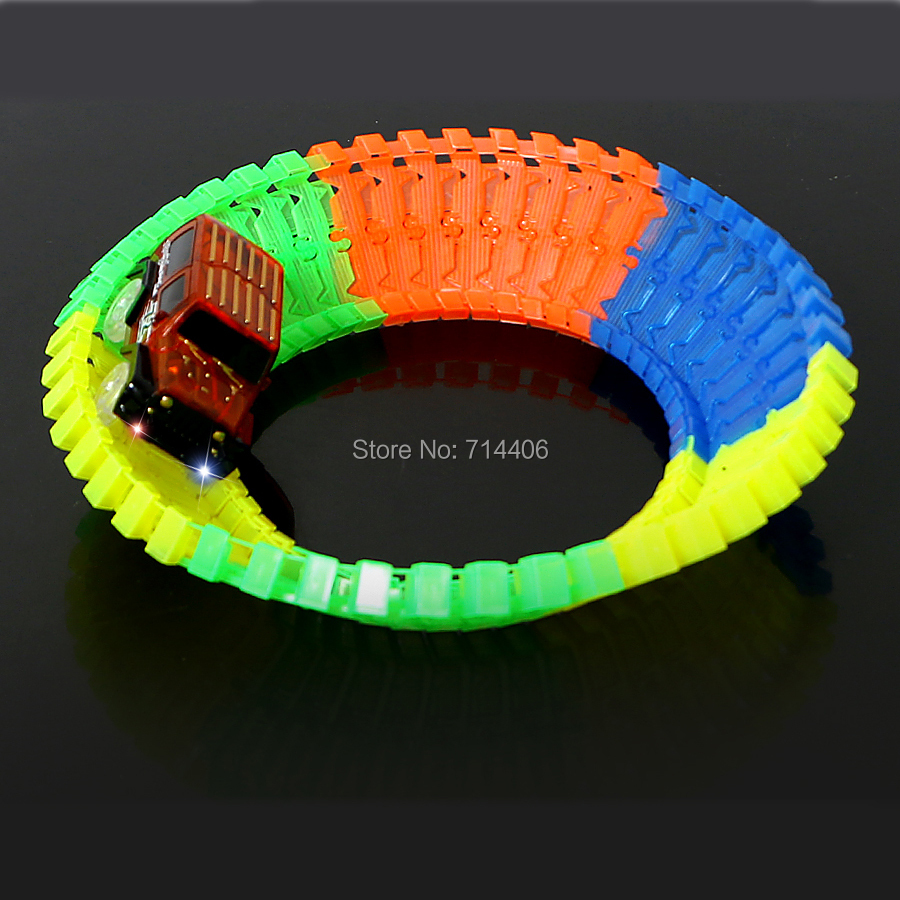40/80/120/200pcs Glow Racing Track car Set flexible roll up track plastic building block,assembly light track toy for boy glow race track bend flex glow in the dark assembly toy 112 160 256 300pcs slot race track 1pc led car puzzle educational toys