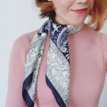 60x60cm Women Faux Silk Square Neck Scarf Ethnic Paisley Print Neckerchief Contrast Color Patchwork Decorative Bandanas Headwrap