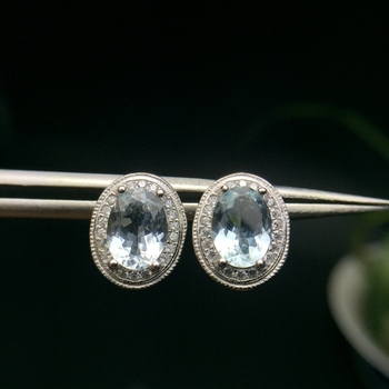 Natural aquamarine stud earrings, beautiful in color, small and exquisite, hot style, 925 silver, easy to wear