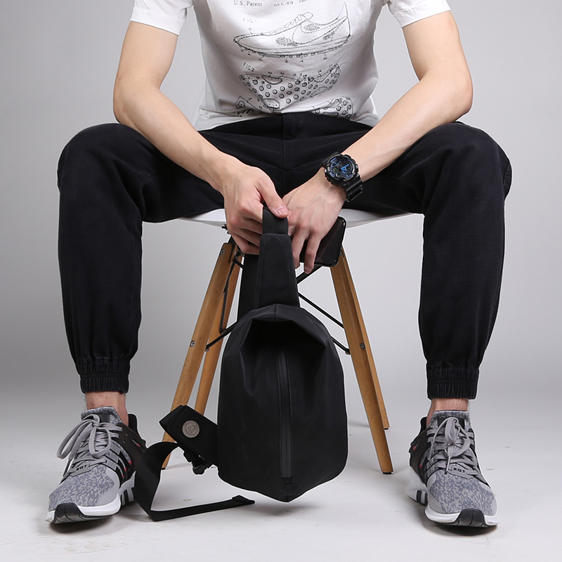 New Group Famous Brand Casual Black Chest Bag Men Messenger Bags Small Bags Travel Backbag CrossBody Shoulder bag for man