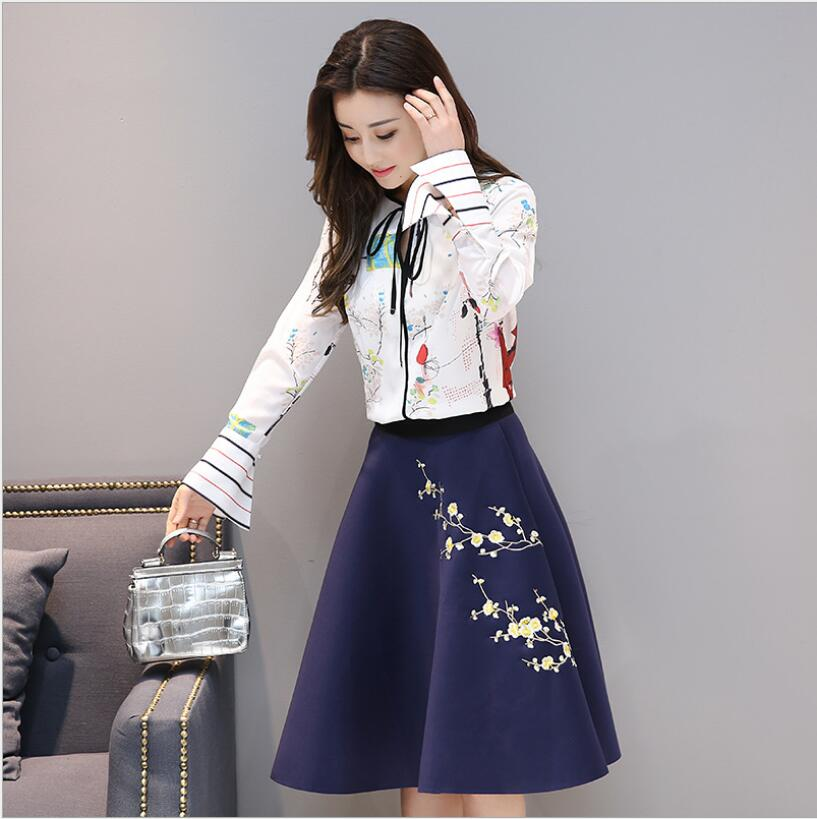 2018 spring new fashion two-piece vestidos female empire printing temperament Slim embroidery A word drees