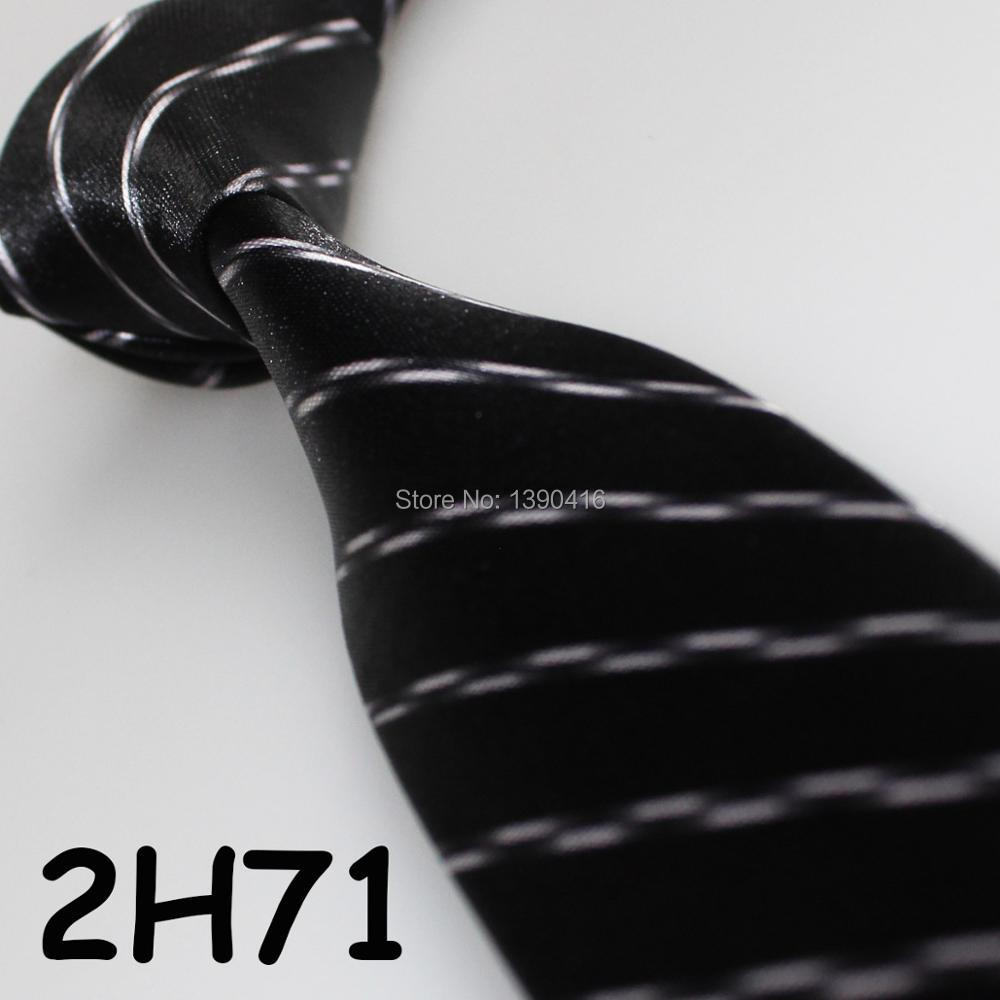 XINCAI Heavy discount ! High sales ! 2018 Latest Style Fashion/Business/Casual Black Striped tie for formal clothes/skinny tie