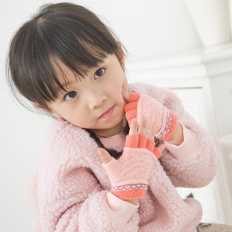The kindergarten jacquard winter children's gloves Knitting baby boy girl half gloves warm gloves suitable for 1-5 years of age