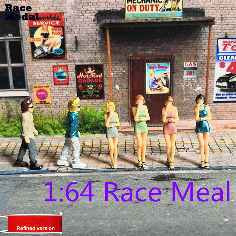1:64 The Playing Field Scale Figure Smoking People Scenario Model Set For Matchbox Children Toy Group