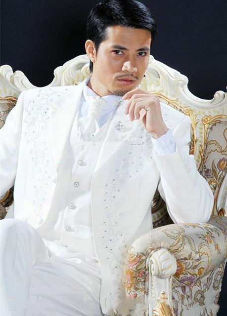 customize-white-embroidery-groom-tuxedos-groomsmen-men-wedding-blazer-business-suits-dress-suits-(jacket+pants+vest+tie) (1)