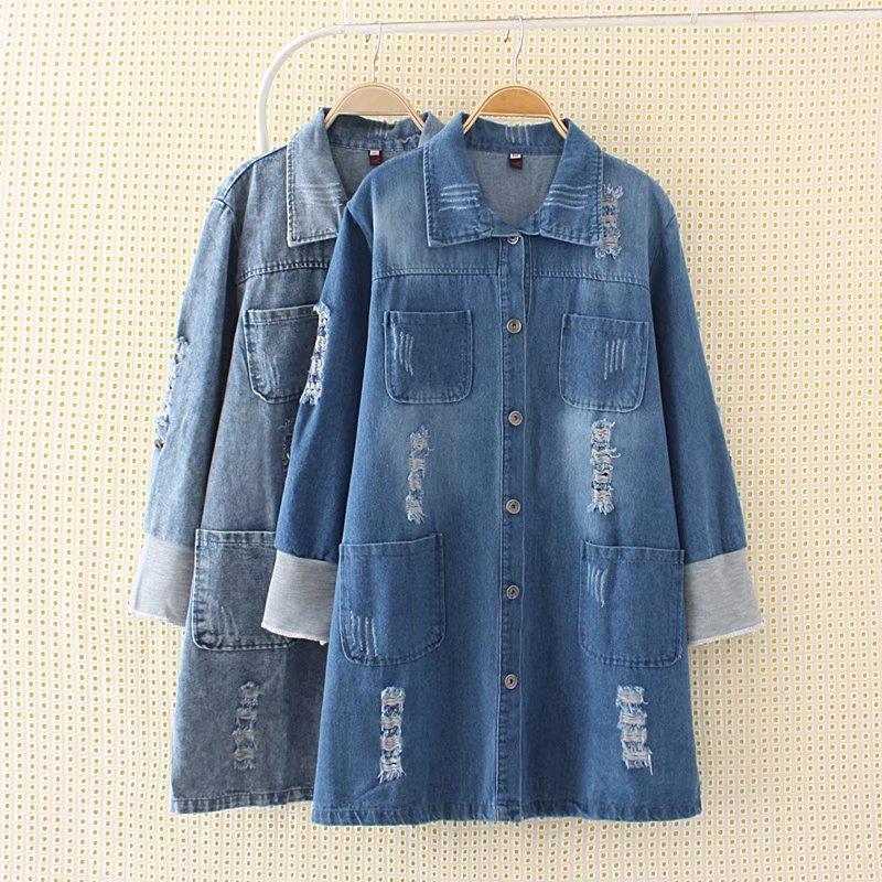 Plus size Autumn single breasted women long <font><b>jeans</b></font> jacket 2017 casual loose full sleeve button ladies Denim Coat holes pocket