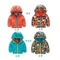 Otoño e invierno de los niños ropa de bebé niño desgaste de ambos lados del camuflaje chaqueta gruesa capa caliente de dibujos animados niños y niñas