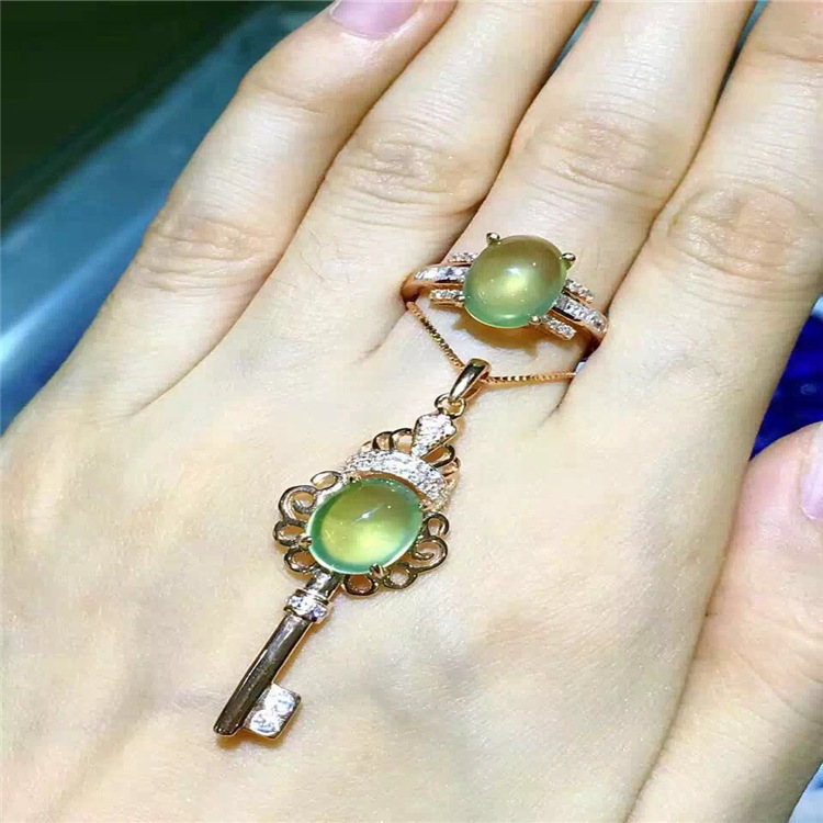Pure natural tender grape stone ring set 925 Sterling Silver Inlay pure natural tender grape stone ring set 925 sterling silver inlay