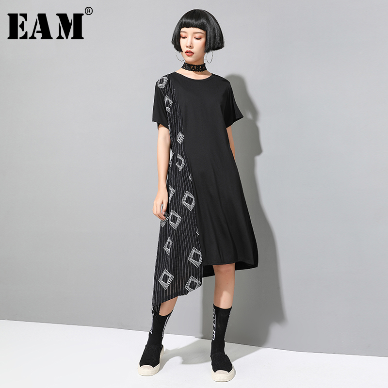 [EAM] 2020 New Spring Summer Round Neck Short Sleeve Black Striped Irregular Loose Big Size Dress Women Fashion Tide JX498