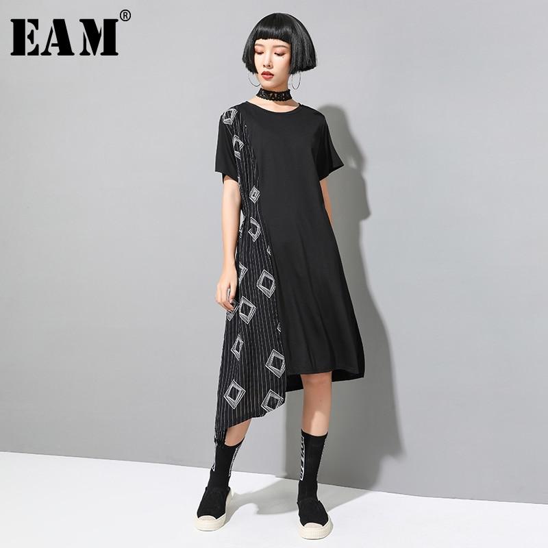 [EAM] 2020 New Spring Summer Round Neck Short Sleeve Black Striped Irregular Loose Big Size Dress Women Fashion Tide JX498