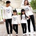 Roupas Da Família dos desenhos animados de Algodão T camisas Roupas para O Filho Pai Mãe Filha Set Família Roupas Combinando, branco/Marinho ML66