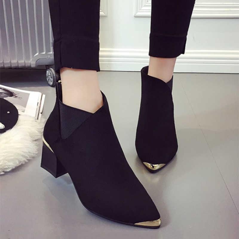 Bahar kış yarım çizmeler bayanlar düz süet kare topuklu pompalar fermuar kadın Metal dekorasyon sivri burun moda ayakkabılar kadınlar