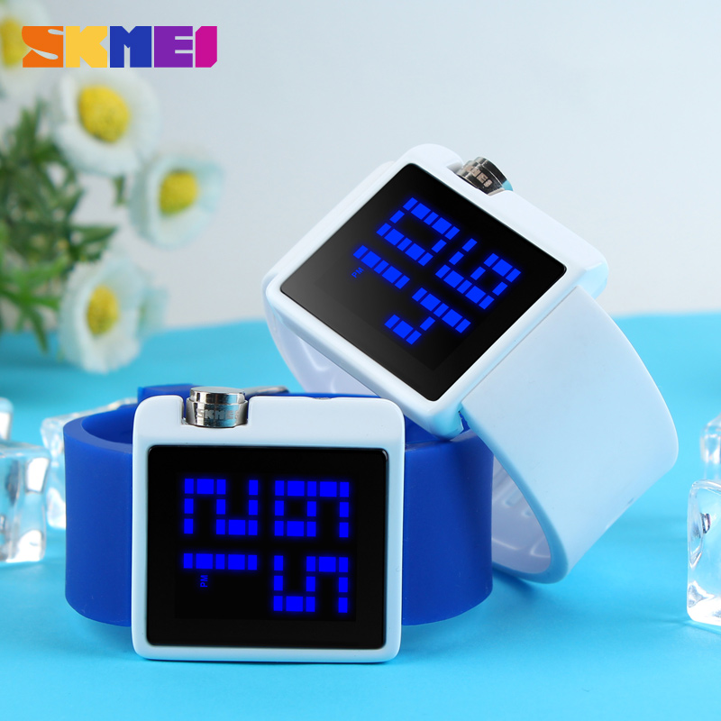 2019 New Women LED Digital Watch SKMEI Brand Sport Watches Relogio Womens Fashion Casual Dress Electronic Women Wristwatch Clock