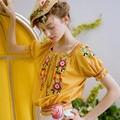 LYNETTE'S CHINOISERIE bordado Amarelo borla arco slim-manga curta projeto top curto camisa