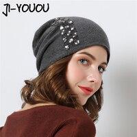 Women Winter hats Knitted Beanies 2018 Stretchy Hat Flashing Glass Rhinestone Hat Female Cashmere Bonnets Elegant Warm Beanie