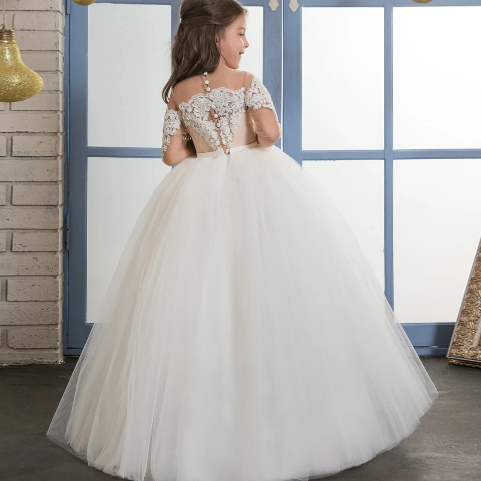 Classic Flower Girl Dress with Lace Appliques Belt Sheer O-Neck 3/4 Long Sleeves Illusion Back Covered With Buttons Pageant GownClassic Flower Girl Dress with Lace Appliques Belt Sheer O-Neck 3/4 Long Sleeves Illusion Back Covered With Buttons Pageant Gown