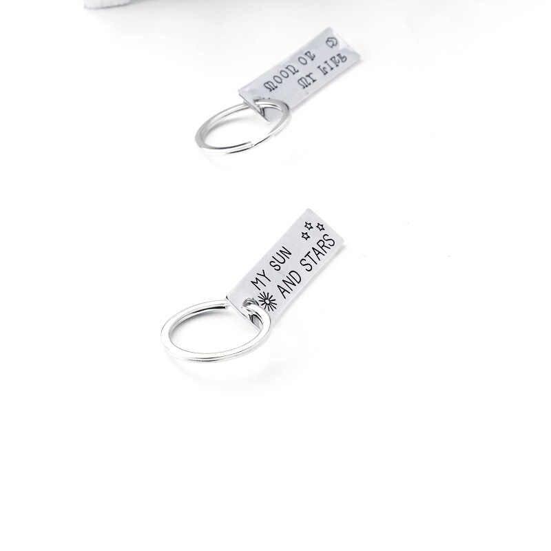 سلسلة مفاتيح مستوحاة من ASOIAF بختم يدوي سلسلة مفاتيح بسلسلة على شكل قضيب للشمس والنجوم مجوهرات للأزواج هدية عيد الحب