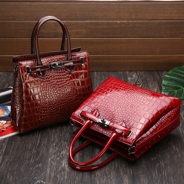 Personality Crocodile Pattern Multi-Layer Ladies Hand Big Bag New High Quality Casual Wild Shoulder Messenger Bag