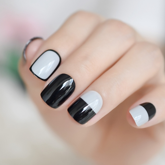 Black White Graphic Detail Press On Nail Kit Drawing Style Simple Design Uv Gel Fake Nails