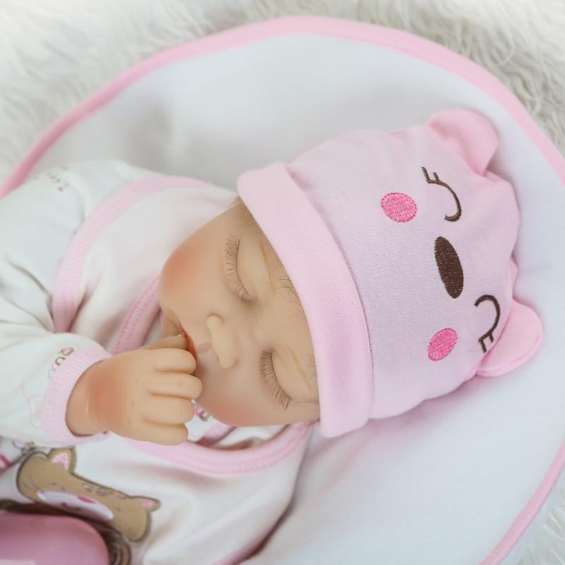 Brinquedos Cosplay Asleep Doll 22 inch Realistic Reborn Baby with Cartoon Hat Soft Silicone Baby Dolls For Children Xmas Gifts аксессуары для косплея neko cosplay