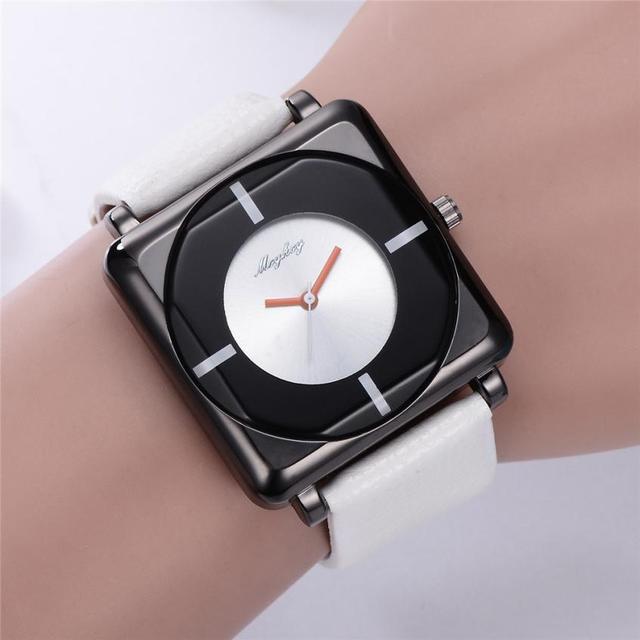 debe377d060 Moda Casual Relógio dos homens Bussiness Retro Projeto Transparente Rosto  Quadrado Mulheres de Couro Relógios de
