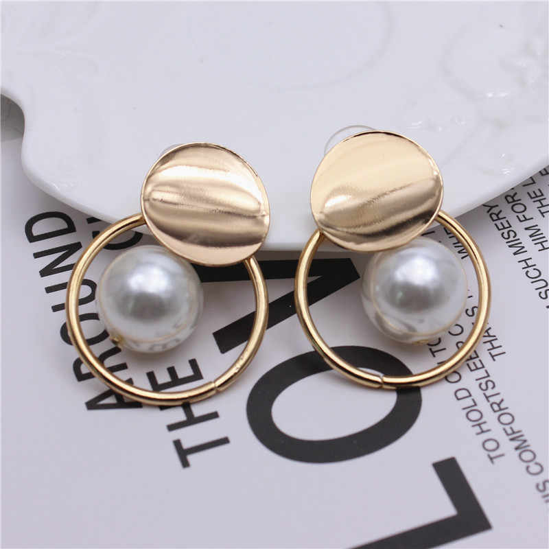 2019 new design fashion brand jewelry Curved copper earrings big beads gold simple stud earring round earring for women