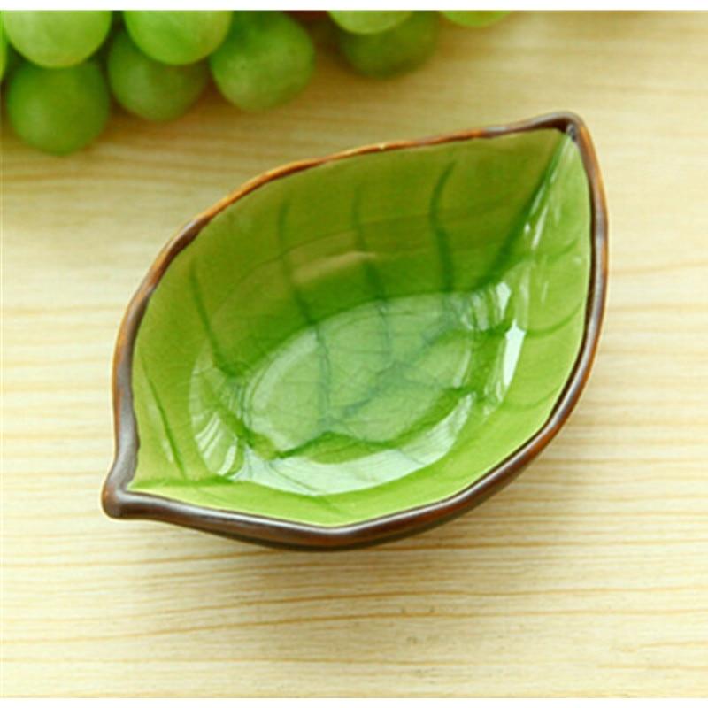 HearTogether 4PCS/LOT Multi-purpose Seasoning Dishes Leaves Shape Glaze Ceramic Dish Vogue Tableware Sauce Vinegar Plate