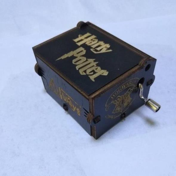 купить Carved Wooden Box Music Game Of Throne Theme Harri Potter Music Boxs Toy Creative Gift, Christmas gift, Birthday gift For Girls по цене 385.05 рублей