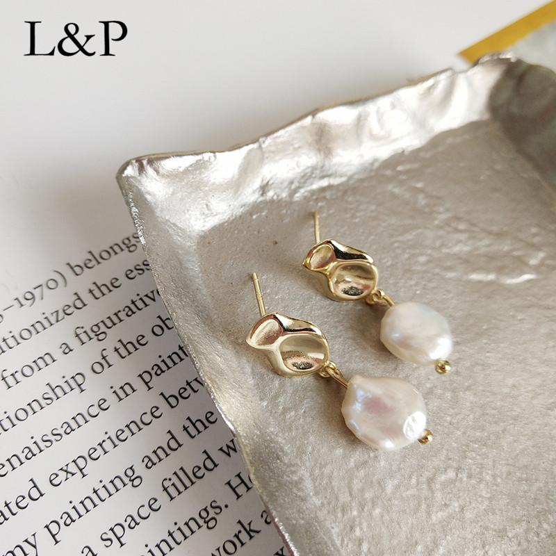 2019 New Fashion Irregular Natural Pearl Stud Earrings For Lady Real 925 Sterling Silver Earrings For Wedding Party Jewelry