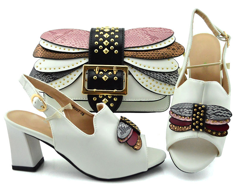 Top di vendita di colore bianco delle donne di scarpe borsa scarpe Africani della borsa del fiammifero del set per il vestito nuovo disegno di modo confortevole-in Pumps da donna da Scarpe su  Gruppo 1