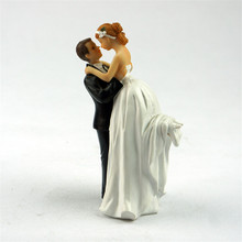 Happiness Bride and Groom Toppers Couple Figurine Wedding Funny Cake Topper for Wedding Cake Decoration Supplies Cake Stand