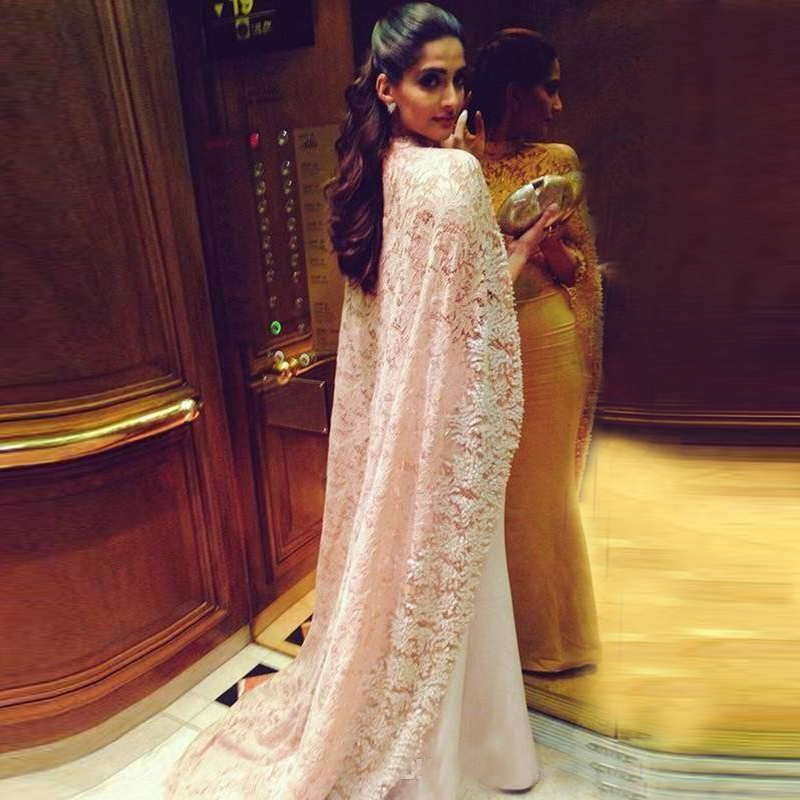 2017 Latest Vintage Lace Arabic Evening Dresses High Neck Mermaid Prom Gown  with Long Lace Elegant Formal Party Dresses 255-in Evening Dresses from  Weddings ... 6e18b92f8370