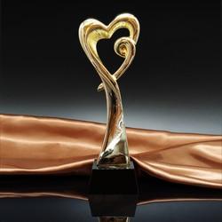MTHS010 A Forma di Cuore In Metallo Trofeo Premio Prix de Losanna Con un Nero di Cristallo di Base Danza Concorso Premio Tazza di Arte Fiammiferi i premi