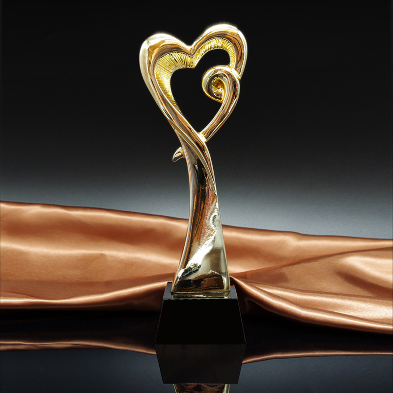 MTHS010 Heart Shaped Metal Trophy Prix De Lausanne Award With A Black Crystal Base Dance Contest Award Cup Art Matches Rewards
