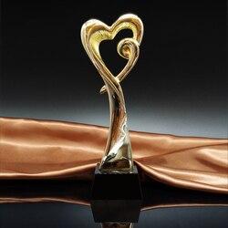 MTHS010 trofeo de Metal en forma de corazón Prix de Lausanne Award con una Base de cristal negro concurso de baile Premio copa de cerillas de arte recompensas