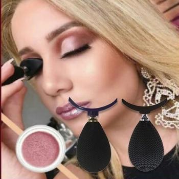 Applicateur d'ombre à paupières Accessoires de maquillage Bella Risse https://bellarissecoiffure.ch