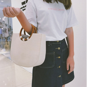 Image 4 - Handgemaakte Stro Geweven Tassen Voor Vrouwen Vintage Effen Grote Houten Handgrepen Dames Handtas Strand Weave Femme Schoudertassen Handtassen B24