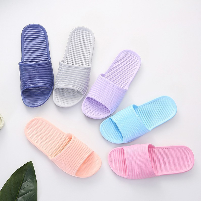 2009 New Slippers Women Summer Couple Slip-proof Indoor Sandals Wholesale Light Fashion Home Bathroom Shoes